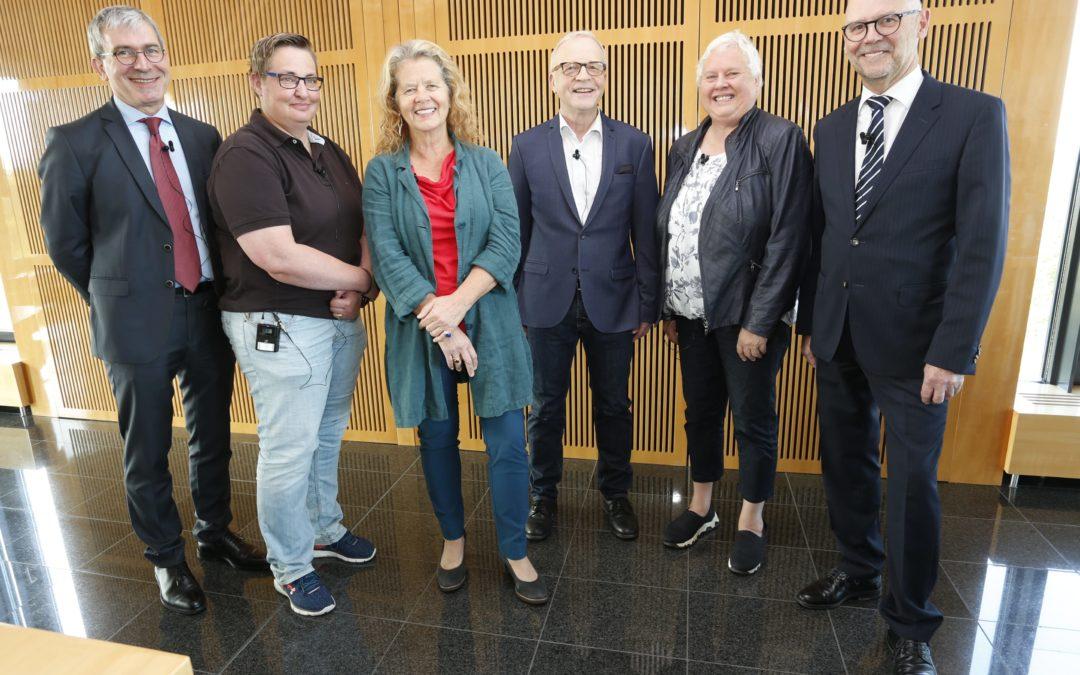 Die Experten beim HARTMANN Roundtable (v.l.n.r.: Prof. Smola, Frau Probst, Frau Temme, Dr. Münter, Frau Gerber, Herr Koch) (Foto: Hartmann)