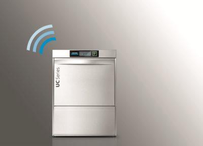 Mehr Sicherheit, mehr Effizienz: Die UC kann über CONNECTED WASH mit einem Computer oder mobilen Endgeräten vernetzt werden. - Foto: Winterhalter Gastronom GmbH