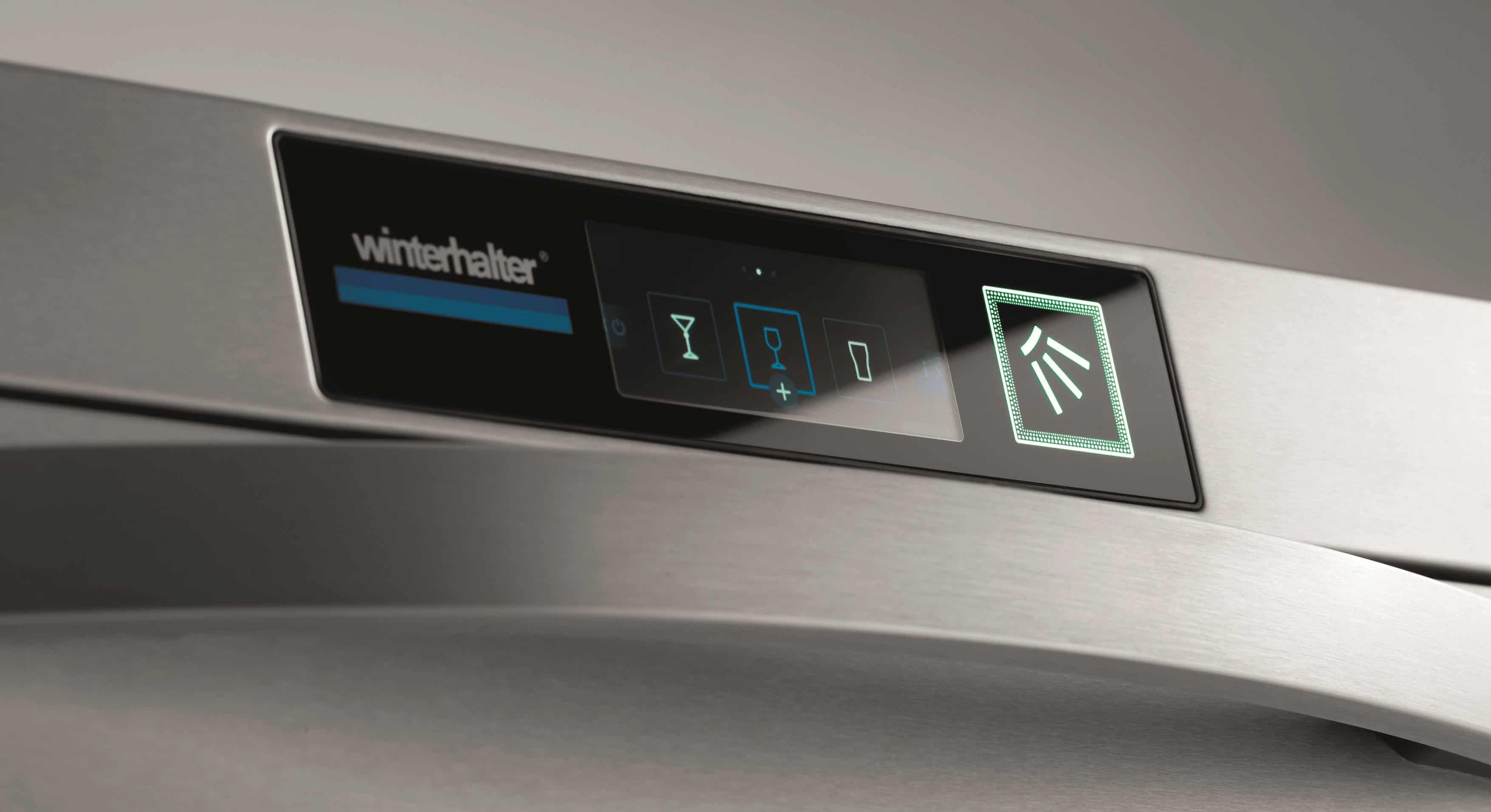 Das neue smarte Touch-Display mit robuster Glasoberfläche, die dem harten Einsatz in der Spülküche standhält. - Foto: Winterhalter Gastronom GmbH
