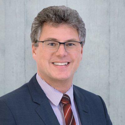 E-Learning-Experte Christian Wachter ist davon überzeugt, dass digitales Lernen auch bei praktischer Fortbildung unterstützen kann. Foto: IMC