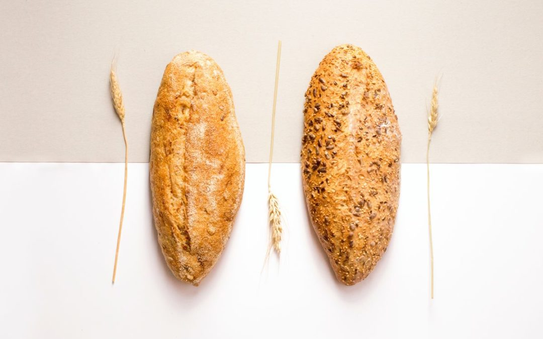 Zwei gebackene Brote