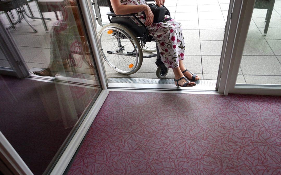 Nullschwellen Titelbild Rollstuhl Eingangsbereich